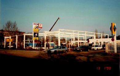 budowa_drugiego_salonu_renault_2000_pop.png
